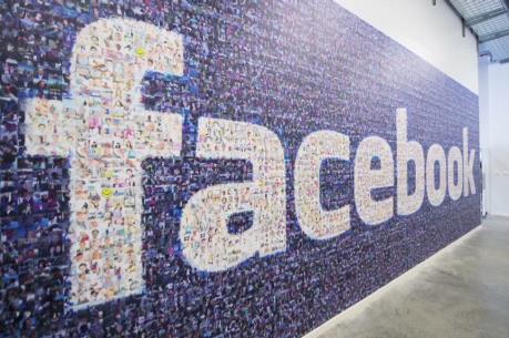 """Quảng cáo trên điện thoại di động - """"Át chủ bài"""" của Facebook"""