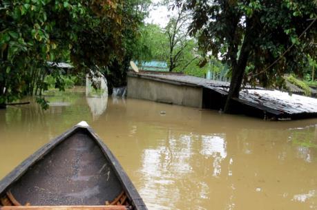 Phú Yên: 2 người mất tích do lũ cuốn