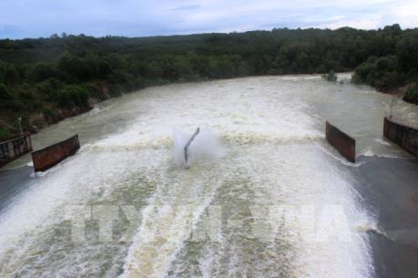 Hồ Dầu Tiếng xả lũ với lưu lượng 200 m3/s xuống sông sài Gòn