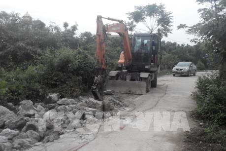 Hà Nội hoàn thành khắc phục đoạn sụt lún trên bờ kè sông Nhuệ trước 15/11