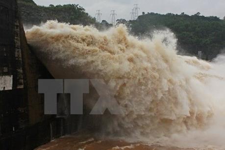 Bộ Công Thương lập hai đoàn công tác chỉ đạo vận hành xả lũ của các nhà máy thủy điện