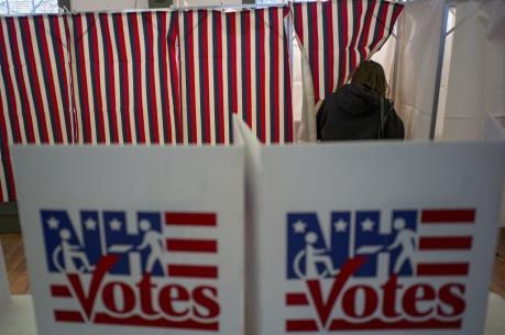 Bầu cử Mỹ 2016: Hàng chục triệu cử tri đi bỏ phiếu sớm