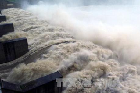 8 hồ chứa thủy điện của EVN đang điều tiết xả lũ