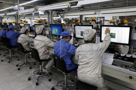 Trung Quốc: Hoạt động chế tạo tăng trưởng nhanh nhất trong hơn hai năm