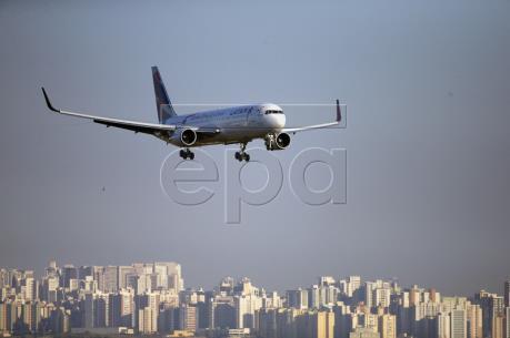 Máy bay Chile hạ cánh khẩn cấp do đe dọa đánh bom