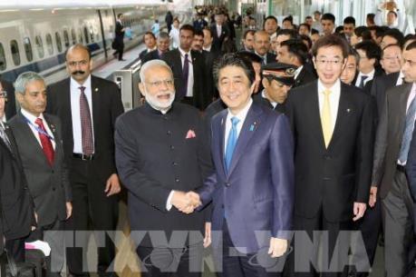 Thủ tướng Ấn Độ thị sát tàu siêu tốc Nhật Bản