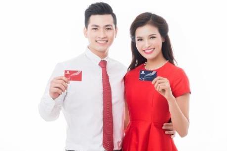 """""""Đại hỷ Xuân 2017"""" -  Gần 100 tỷ đồng sẽ được trao tặng cho chủ sở hữu thẻ Vingroup Card"""