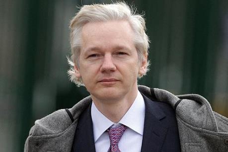 Nhà sáng lập WikiLeaks bị thẩm vấn tại Đại sứ quán Ecuador ở London
