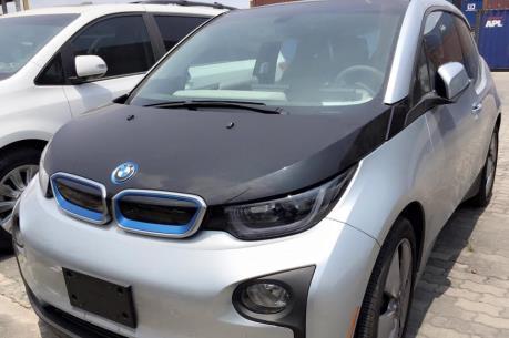 BMW muốn nâng doanh số bán các dòng xe chạy bằng điện
