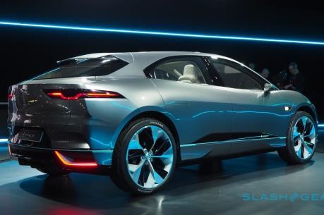 Jaguar Land Rover tung ra loại xe SUV điện đầu tiên
