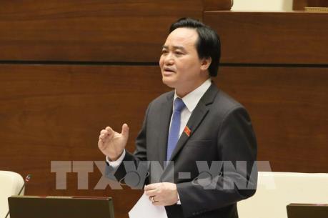Bộ trưởng Giáo dục và Đào tạo Phùng Xuân Nhạ đăng đàn trả lời chất vấn