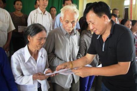 Vinamilk cứu trợ người dân vùng lũ Hà Tĩnh, Quảng Bình 2 tỷ đồng