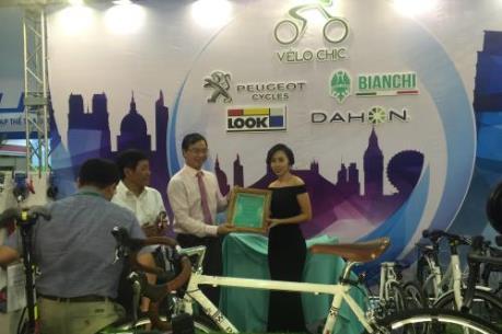 Cua-rơ Hằng Trần làm đại sứ cho thương hiệu Vélo Chic - Bianchi