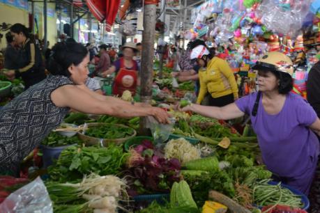 Giá rau, củ tại Đà Nẵng tăng vào mùa mưa