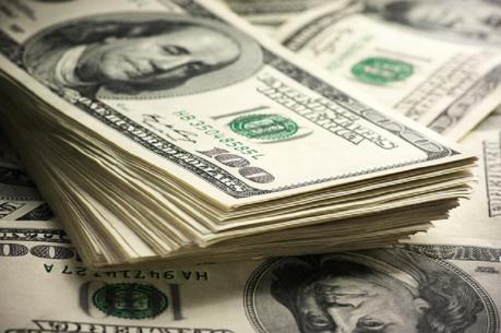 Giá USD chạm mức cao nhất 13 năm rưỡi