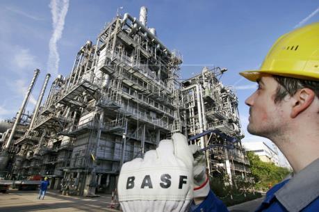 Thị trường dầu mỏ ghi nhận tuần tăng giá đầu tiên trong vòng một tháng