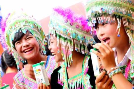 Vinamilk tiên phong mang chương trình Sữa học đường đến với trẻ em Đắk Nông