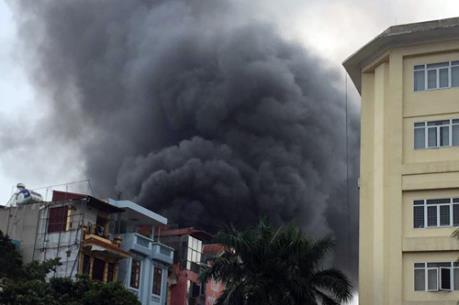 Cháy lớn tại Trần Khát Chân, Hà Nội