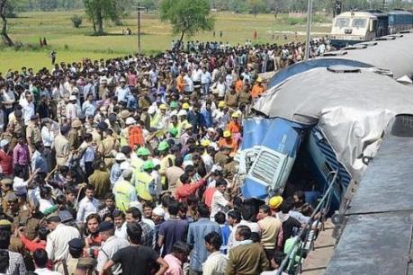 Vụ tai nạn tàu hỏa tại Ấn Độ: Số người thiệt mạng lên tới 120 người