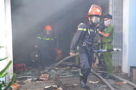 Tp. Hồ Chí Minh: Cháy lớn khiến 2 người tử vong