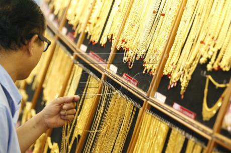 Vàng lên giá phiên thứ hai liên tiếp tại thị trường châu Á