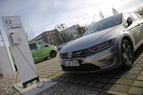Hãng Volkswagen đặt mục tiêu dẫn đầu về dòng xe chạy điện
