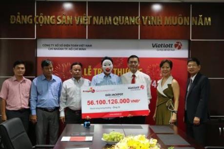 Vietlott trao thưởng giải Jackpot hơn 56 tỷ đồng