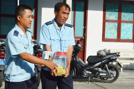 An Giang: Bắt giữ vụ vận chuyển 18 kg vàng trái phép qua biên giới
