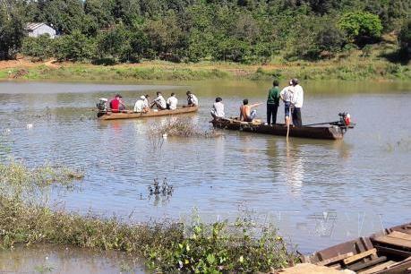 Bình Phước: Lật xuồng trên sông Lấp, 4 người tử nạn
