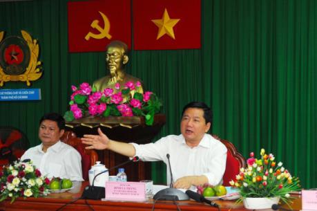 Bí thư Thành ủy Đinh La Thăng: Nghiên cứu phương án thuê trực thăng để chữa cháy