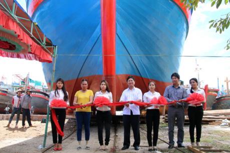 Ninh Thuận hạ thủy tàu vỏ gỗ đóng mới theo Nghị định 67