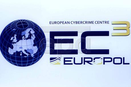Europol triệt phá đường dây rửa tiền và buôn ma túy lớn