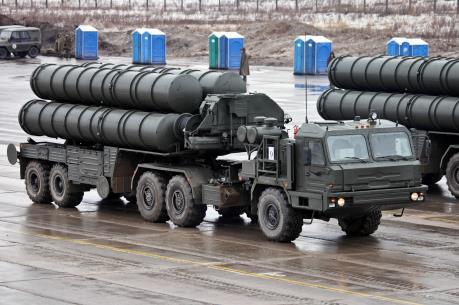 Bộ Quốc phòng Nga tiếp nhận thêm 5 trung đoàn tên lửa S-400 Triumf
