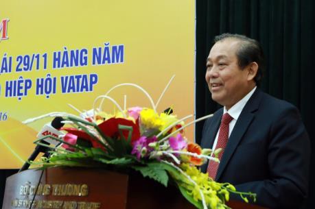 Phó Thủ tướng Trương Hòa Bình: Hoàn thiện khung khổ pháp lý để chống hàng giả, hàng nhái