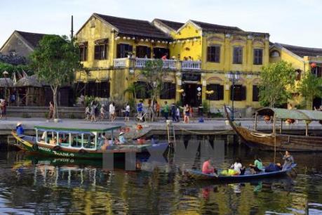 Hút khách du lịch tàu biển đến Huế qua cảng Chân Mây