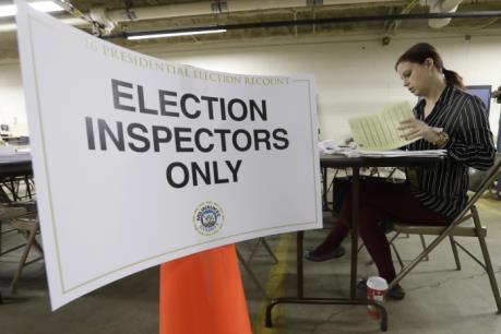 Bầu cử Mỹ 2016: Bang Wisconsin bắt đầu kiểm lại phiếu