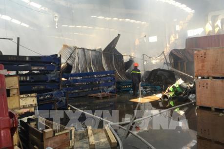 Cháy lớn thiêu rụi gần 800m2 nhà kho tại cụm công nghiệp Ngọc Hồi, Hà Nội