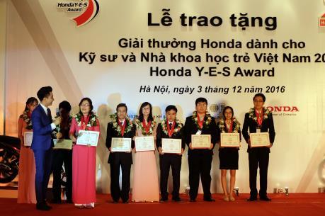 Trao giải thưởng Honda cho kỹ sư và nhà khoa học trẻ Việt Nam