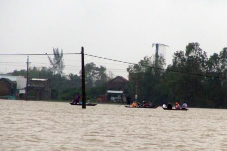 Thừa Thiên - Huế: Hơn 1.300 hộ bị ngập lụt do mưa lũ