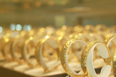 Giá vàng đồng loạt giảm trong phiên đầu tuần