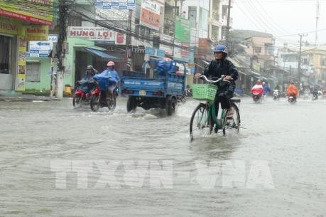 Dự báo thời tiết 10 ngày tới: Bắc Bộ hanh khô, Trung Bộ lũ chồng lũ