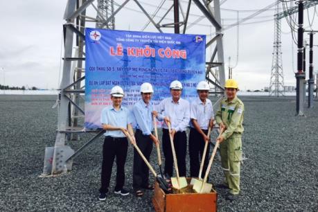 Khởi công dự án tăng công suất cấp điện cho miền Nam