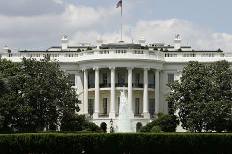"""Nhà Trắng cảnh báo sẽ """"rất tổn hại"""" nếu ông Donald Trump đảo ngược quan hệ với Cuba"""