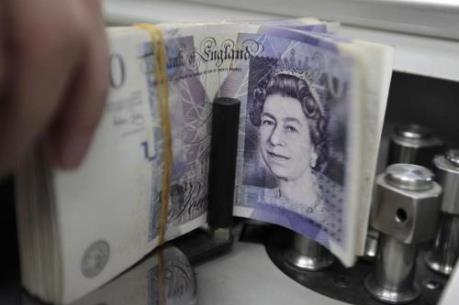 Sự mất giá của đồng bảng tác động thế nào đến kinh tế Anh?