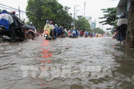 Dự báo thời tiết đêm 18, ngày 19/12: Miền Trung tiếp tục có mưa to và nguy cơ lũ