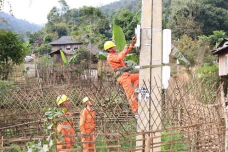 Kon Tum thêm 211 hộ dân có điện trước dịp Tết Nguyên Đán 2017
