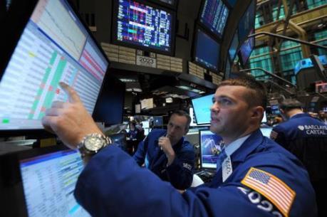 Chứng khoán Mỹ tuần qua: Sắc đỏ, xanh đan xen do ảnh hưởng thông tin từ Fed
