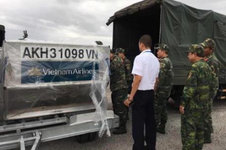 Vietnam Airlines chuyển hàng cứu trợ khẩn cấp cho miền Trung