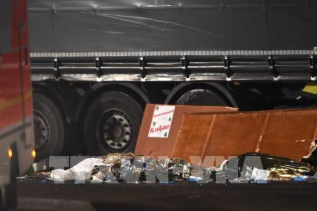 Hiện trường vụ tấn công chợ Giáng sinh tại Berlin khiến ít nhất 9 người chết