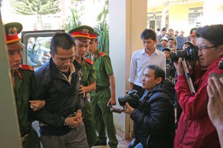 Tạm hoãn xét xử vụ án giết người hàng loạt gây chấn động tỉnh Lâm Đồng